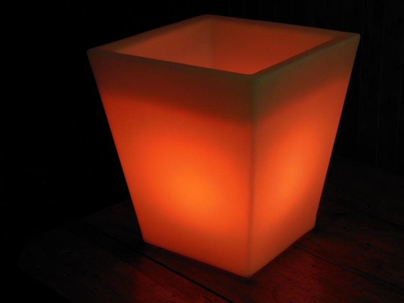 Вазон П-3842 RGB